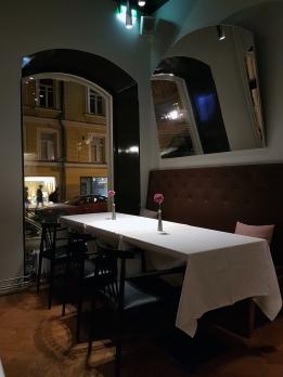Ravintolavinkki Helsinkiin: Vinkkeli. Rentoa ja herkullista!
