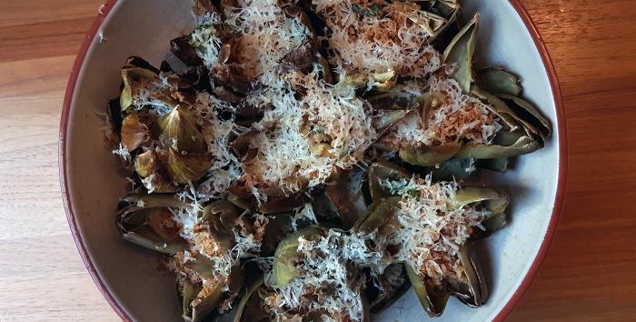 alkupala, kasvisruoka, latva-artisokka, leivänmurukuorrute, maustetut leivänmurut, pastakastike, Rachael Ray